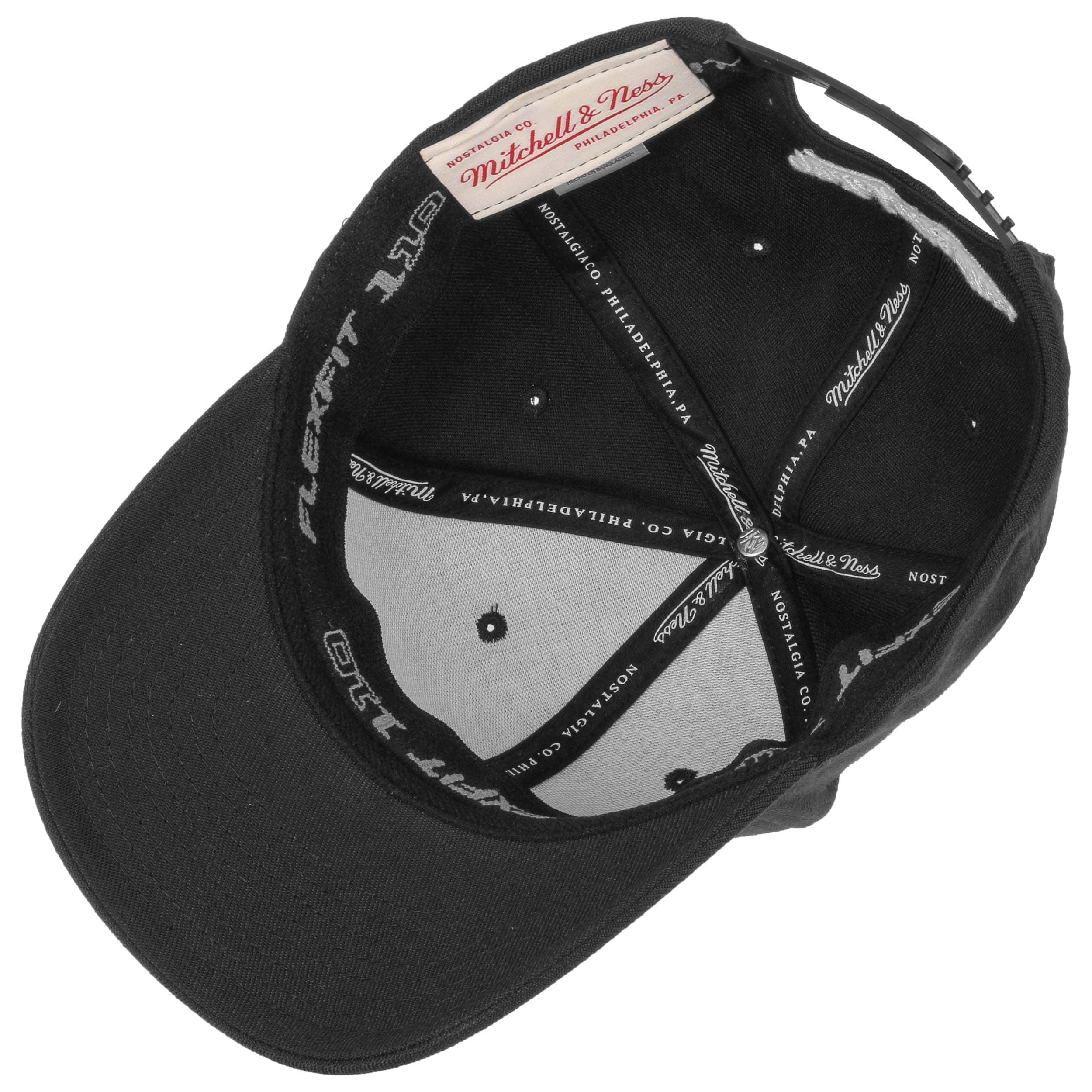 ... 110 Flexfit Curved Cap by Mitchell   Ness - 1 ... 87063bf15de