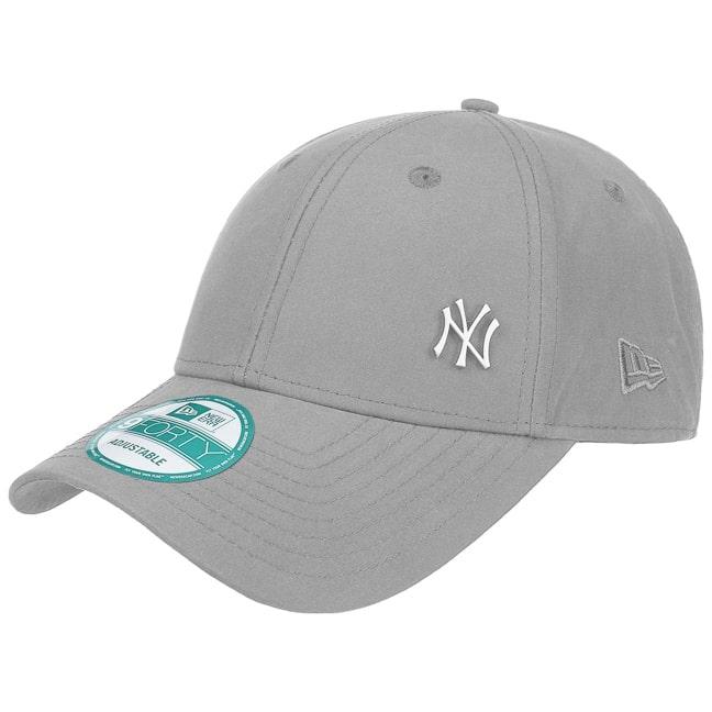 9Forty NY Yankees Strapback Cap by New Era