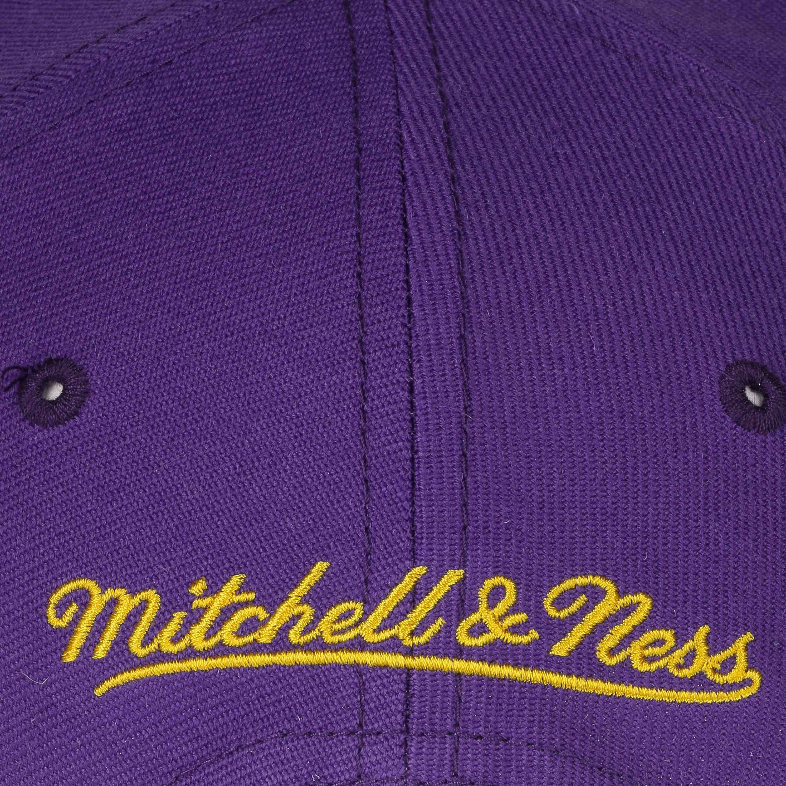 ... Grass Current Lakers Cap by Mitchell   Ness - purple 6 ... 6c738a85317