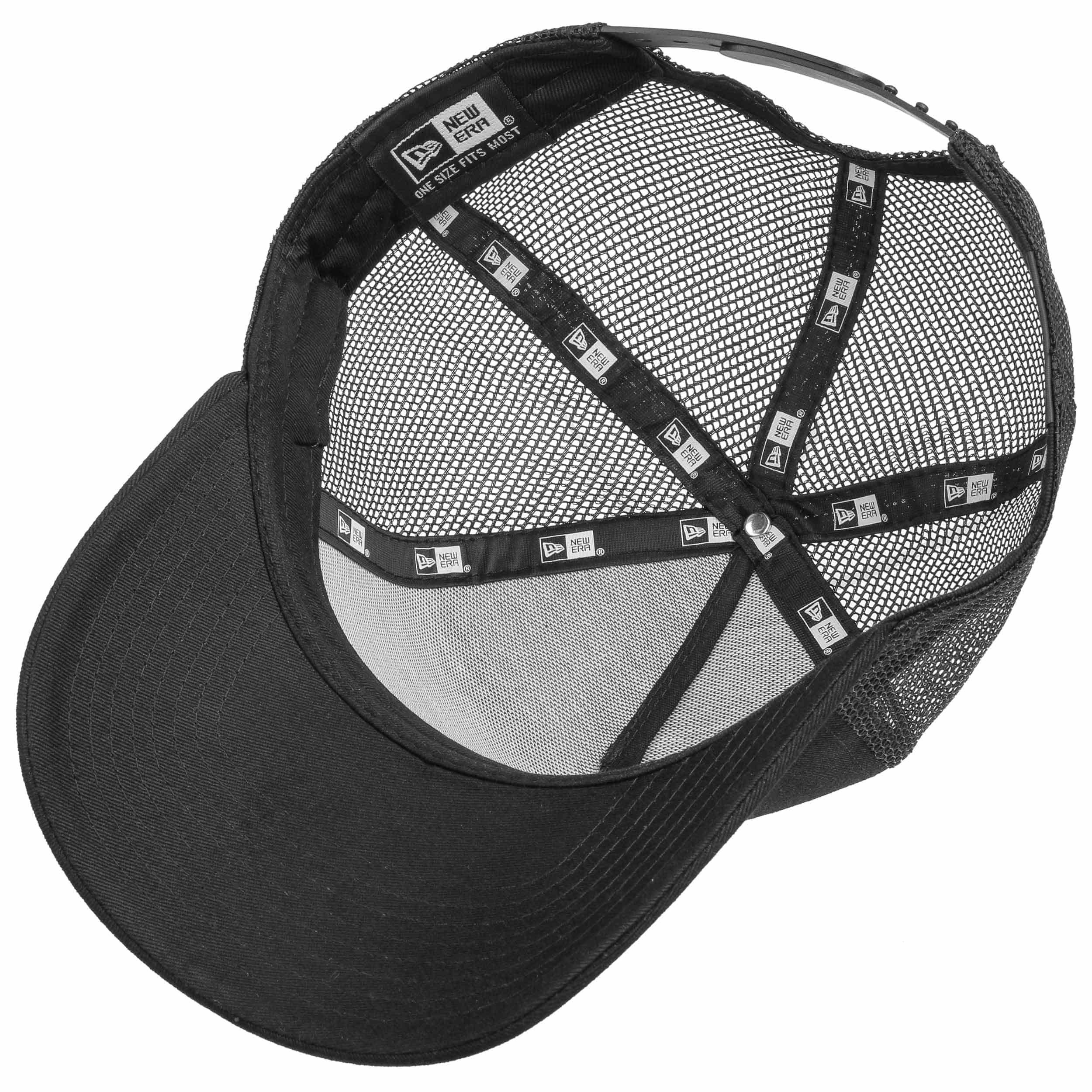 779b2a4f2 League Ess NY Yankees Trucker Cap by New Era